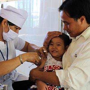 Trẻ đã tiêm vắc xin sởi đơn và sởi phối hợp, có cần tiêm thêm vắc xin sởi - rubella?