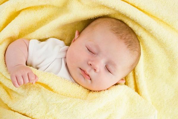 Cho bé ngủ ban đêm thế này, trẻ mới phát triển hoàn hảo và chiều cao tăng trưởng tốt nhất