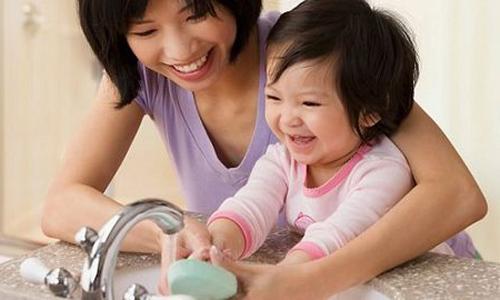 Mách mẹ cách chăm sóc trẻ bị suy dinh dưỡng bào thai