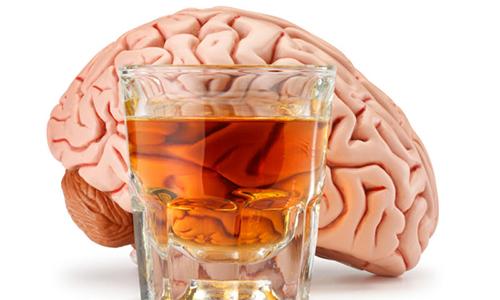 Rượu và mối nguy cho sức khỏe người cao tuổi