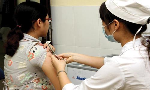 10 loại vắc xin tất cả người lớn đều cần