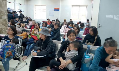 Hơn 50 em bé một xã ở Bắc Ninh bị nhiễm sán lợn