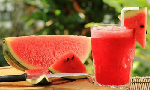 9 loại thực phẩm nên ăn vào mùa hè