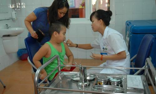 Cấp miễn phí 10.000 liều vắc xin phòng dịch bạch hầu cho Bình Phước