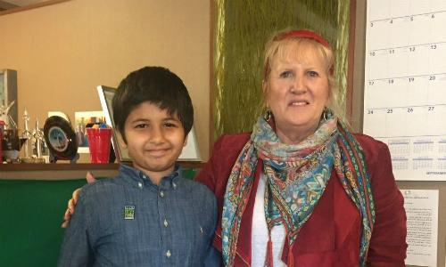 Cậu bé 12 tuổi xin bác sĩ 'lấy mọi thứ' để cứu em trai