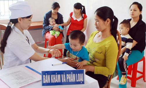 Bé sinh thiếu tháng, tiêm vắc xin Sởi Rubella có ảnh hưởng không