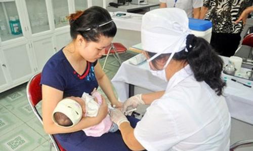 Từ 1/1/2018, bắt buộc tiêm chủng phòng 10 bệnh truyền nhiễm cho trẻ dưới 5 tuổi