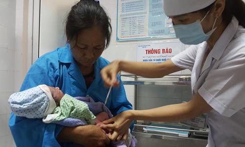 Hà Nội: Tổ chức tiêm chủng mở rộng 7 ngày một lần