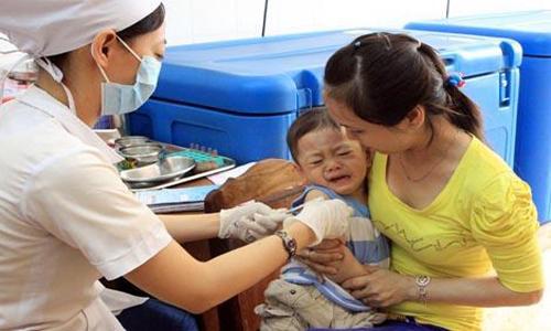 Hơn 50.000 trẻ tại 19 địa phương được tiêm vắc xin sởi - rubella do Việt Nam sản xuất