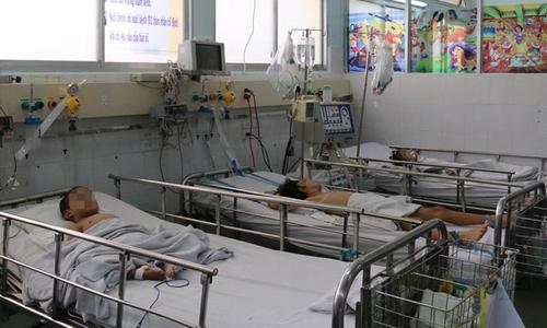 Kiêng đi khám bệnh đầu năm, nhiều trẻ trở nặng mới vào cấp cứu